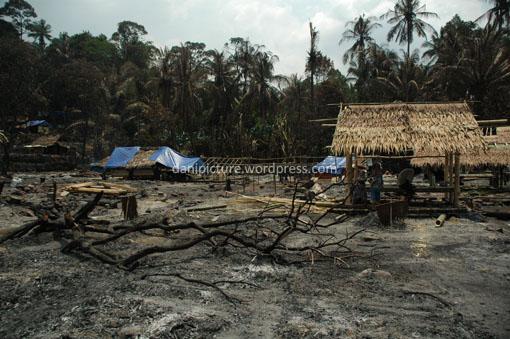 Bangunan di Kanekes/Baduy terbuat dari kayu dan bambu sehingga sangat rawan terjadi kebakaran.
