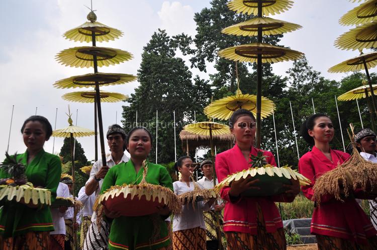 Rombongan perwakilan dari Cigugur Kuningan Jawa Barat